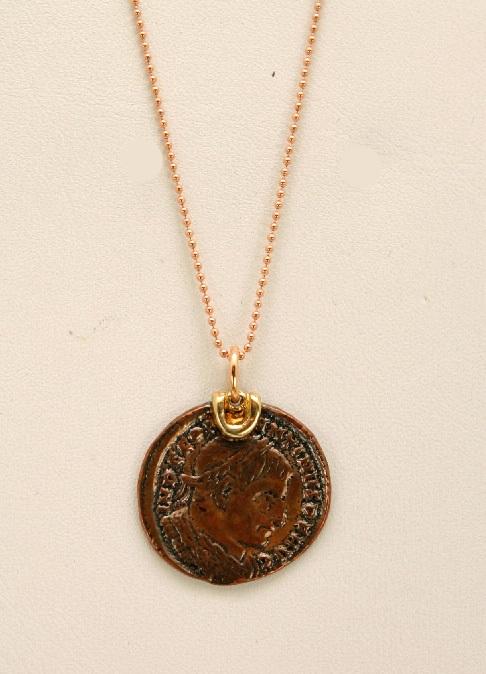 c83712084e32 Colgante moneda cobre romana con cadena bolas oro rosa 18 K ...